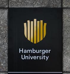 Открылся первый в Восточной Европе Университет Гамбургерологии
