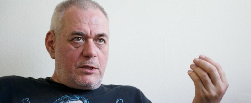 Известный телеведущий Сергей Доренко погиб в аварии на мотоцикле