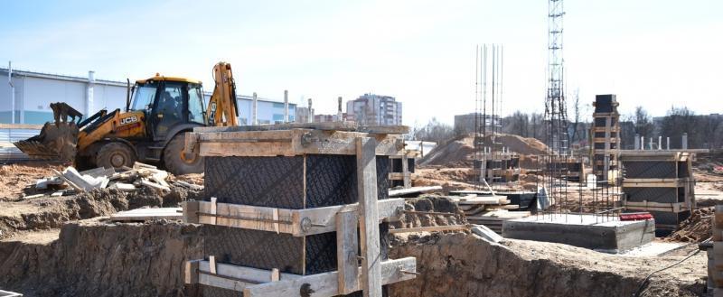 На стадионе «Витязь» в Вологде почти закончили заливку фундамента нового бассейна