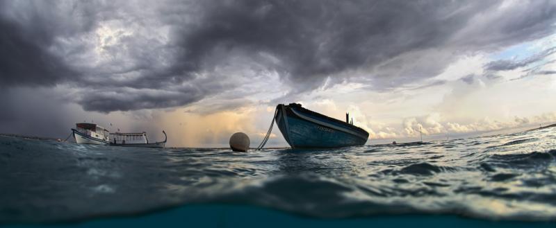 Опасная профессия: лодка с журналистами перевернулась в Белозерском районе
