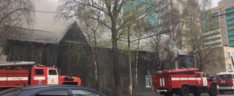 Последствия пожара на Козленской в Вологде: дом восстановят, жильцы разместились у родственников
