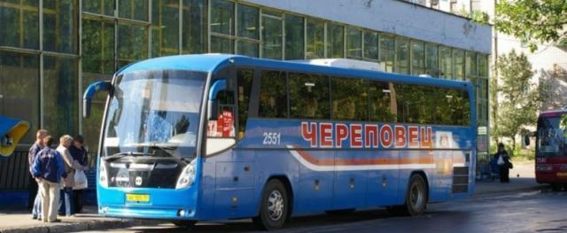 В отношении жителя Череповца, вытолкнувшего из автобуса кондуктора, завели уголовное дело