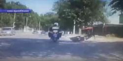 Угонщик скутера упал во время погони