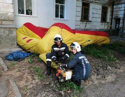 Спасатели удержали горожанина от необдуманного поступка
