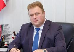 Подозреваемому во взятке главе района суд назначил домашний арест