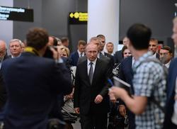 В новый аэропорт Саратова прибыл Владимир Путин
