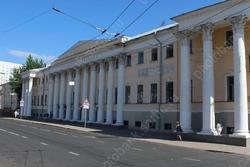 Желание расширить фонды музея упирается в нарушение закона