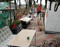Саратовец оборудовал на крыше дома самодельный