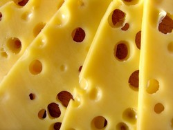 Водителю не дали провезти в область 9 кг украинского сыра