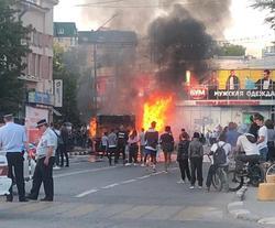 На улице в Энгельсе сгорел автобус