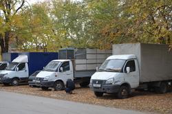Хозяев стоянки оштрафуют за припаркованные на зеленой зоне