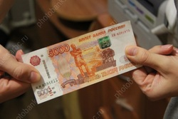 Оклады саратовским учителям подняли до 28-ми, врачам - до 56 тысяч