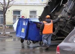 Саратовцы стали лучше платить за вывоз мусора